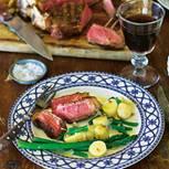 Zu so einem imposanten (T-Bone-)Steak Florentiner Art ist eine herzhafte, aber nicht zu mächtige Beilage ideal ? wie unser Salat. Zum Rezept: Bistecca alla fiorentina (Steak Florentiner Art)