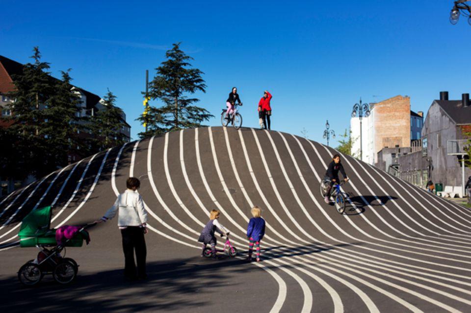 Das Künstlerkollektiv Superflex schuf den modernen Park Superkilen