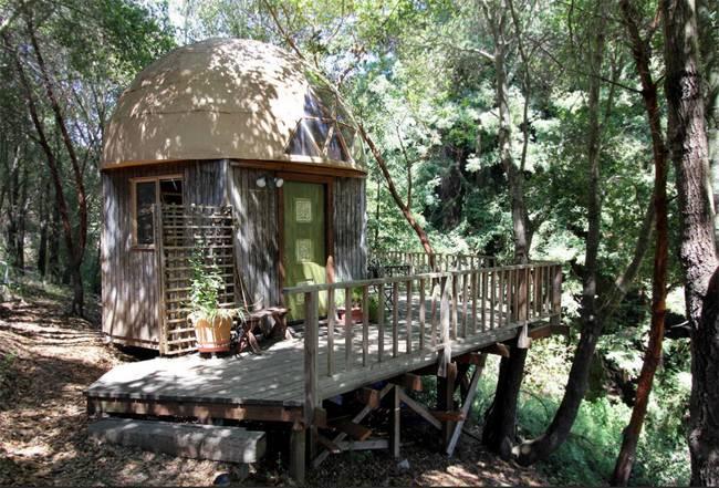 Kalifornien: Ein Minidom im Wald