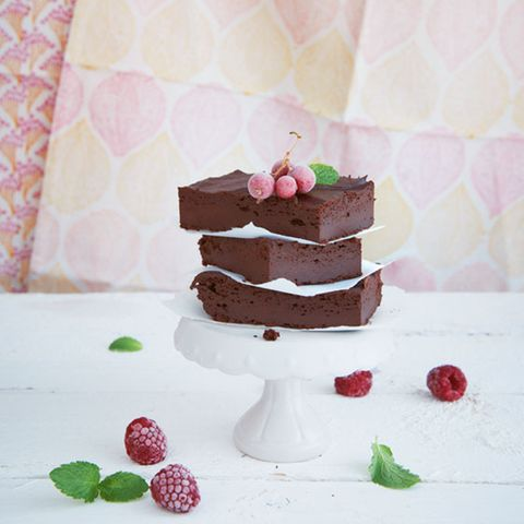 Fudge-Brownies mit Aubergine