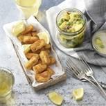 Dieser Salat erinnert an London und die große Auswahl an herrlichen Fish and Chips-Läden. Aber warum nicht einmal ganz anders ? Zum Rezept: Fish and Chips im Glas