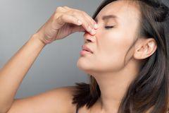 Nase frei ohne Schnäuzen: Diesen Trick musst du probieren!