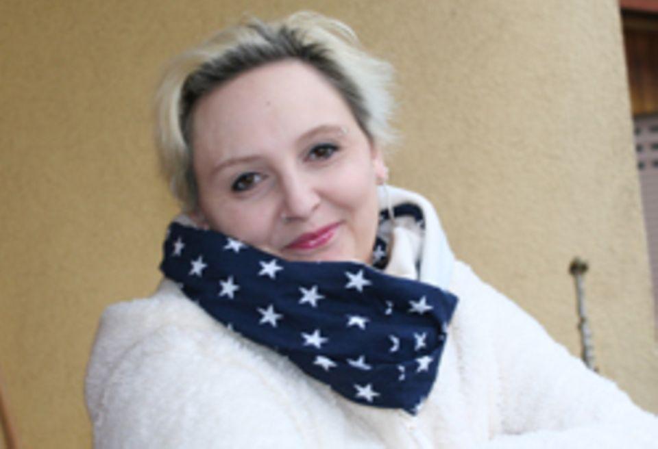 Judith Straub ist verheiratet und hat zwei Kinder. Sie lebt für ihre Hobbys: Stricken, Häkeln, Nähen. Upcycling und Bloggen. Ein Traum von ihr: ein Buch zu schreiben, dass Emetophobikern hilft, ihre Phobie loszuwerden.