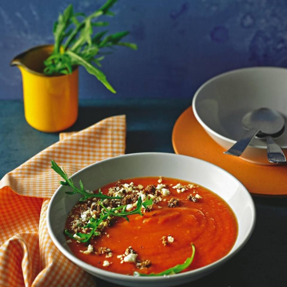 Tomatencremesuppe mit Käse-Crumble