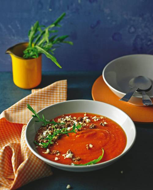 Tomaten-Cremesuppe mit Käse-Crumble