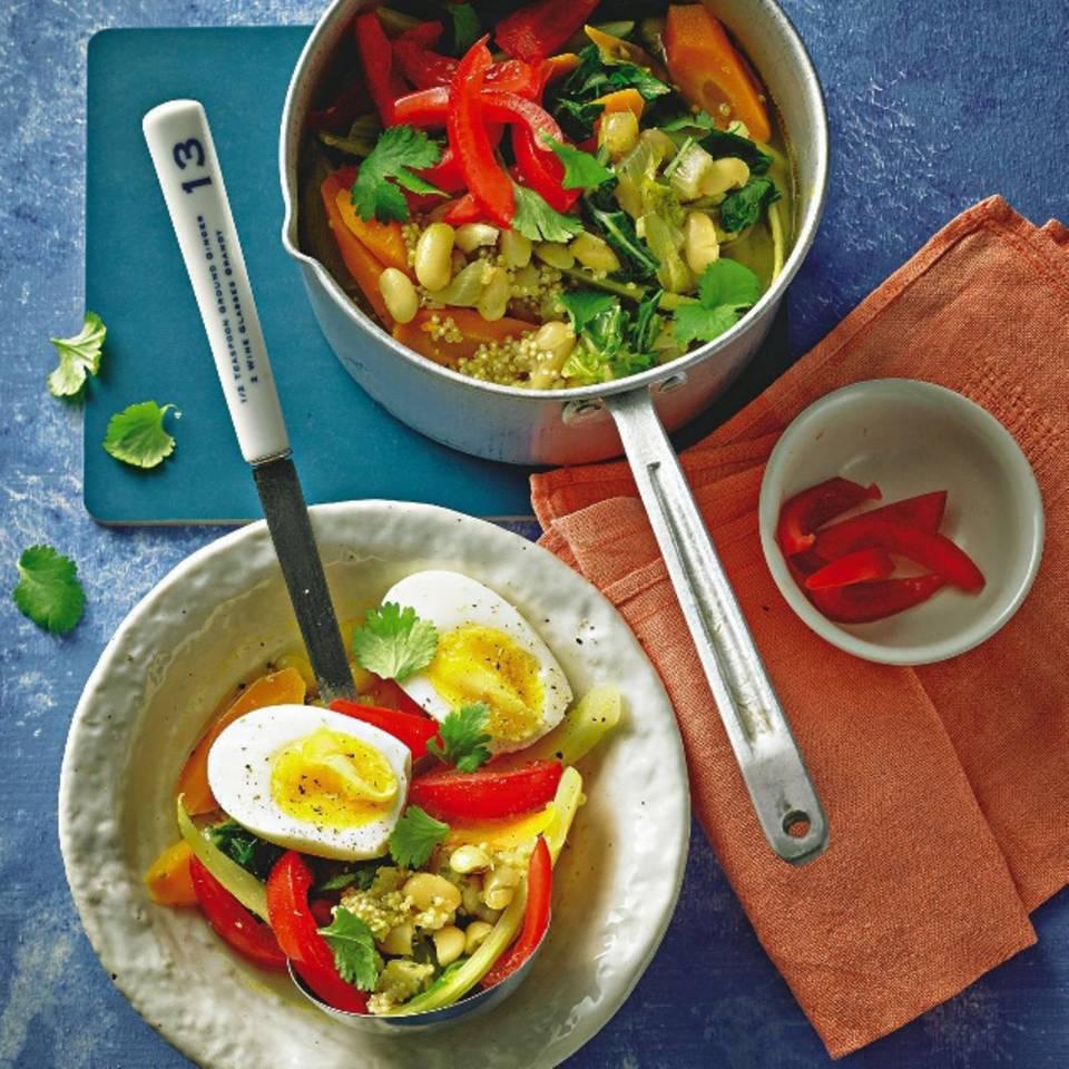 Minestrone mit Quinoa und Ei