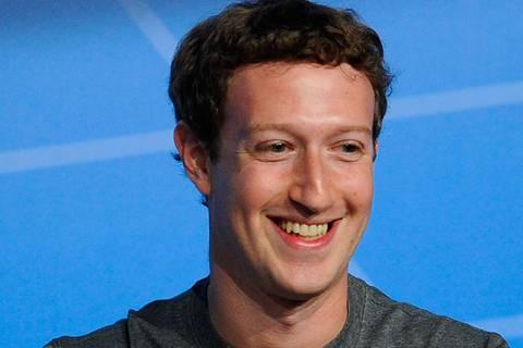Mark Zuckerberg postet ein bizarres Foto aus seinem Kleiderschrank