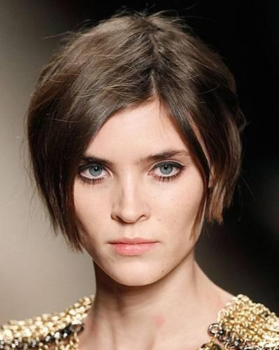 Sexy Frisuren: Sexy Frisur, weil: Diese Frisur den Hals so wunderschön betont.
