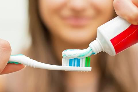 Zahnärzte warnen: Putze deine Zähne besser an DIESEM Zeitpunkt!