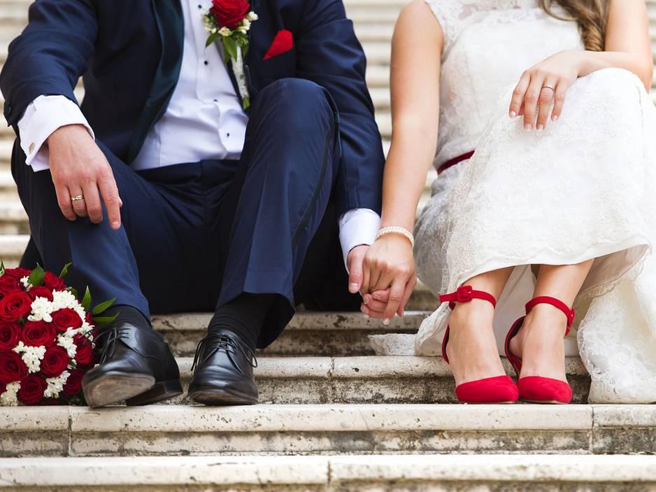 """Frisch verliebt und schon verlobt: Gibt es ein """"zu früh""""?"""
