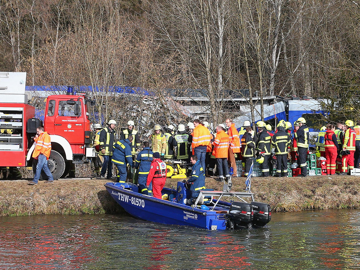 Tote und Verletzte bei Zug-Unglück in Oberbayern - so könnt ihr helfen!