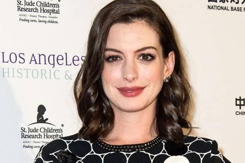Anne Hathaway ist jetzt blond!