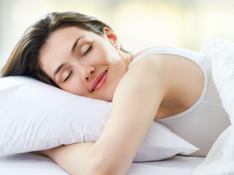 Diese Bettwäsche bekämpft Hautunreinheiten im Schlaf