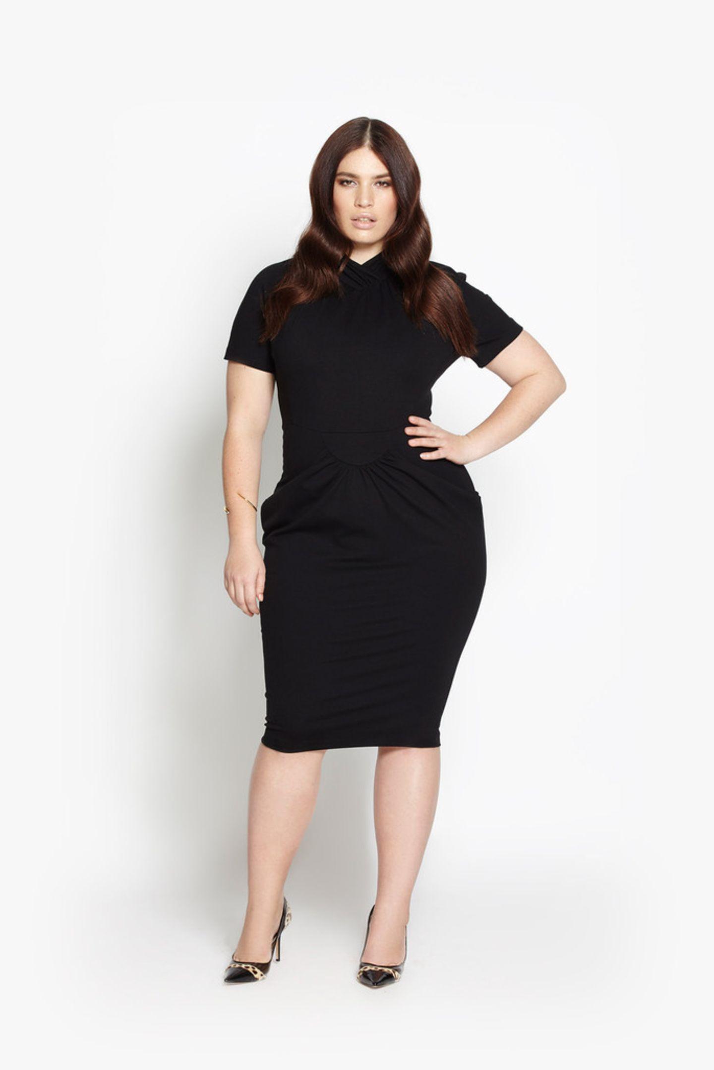 Wer es klassischer mag, wählt das figurbetonte Kleid in Schwarz - es kostet ebenfalls um 221 Euro.