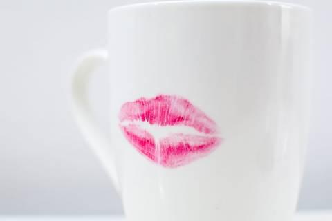 Lippenstiftabdrücke vermeiden - so geht's!