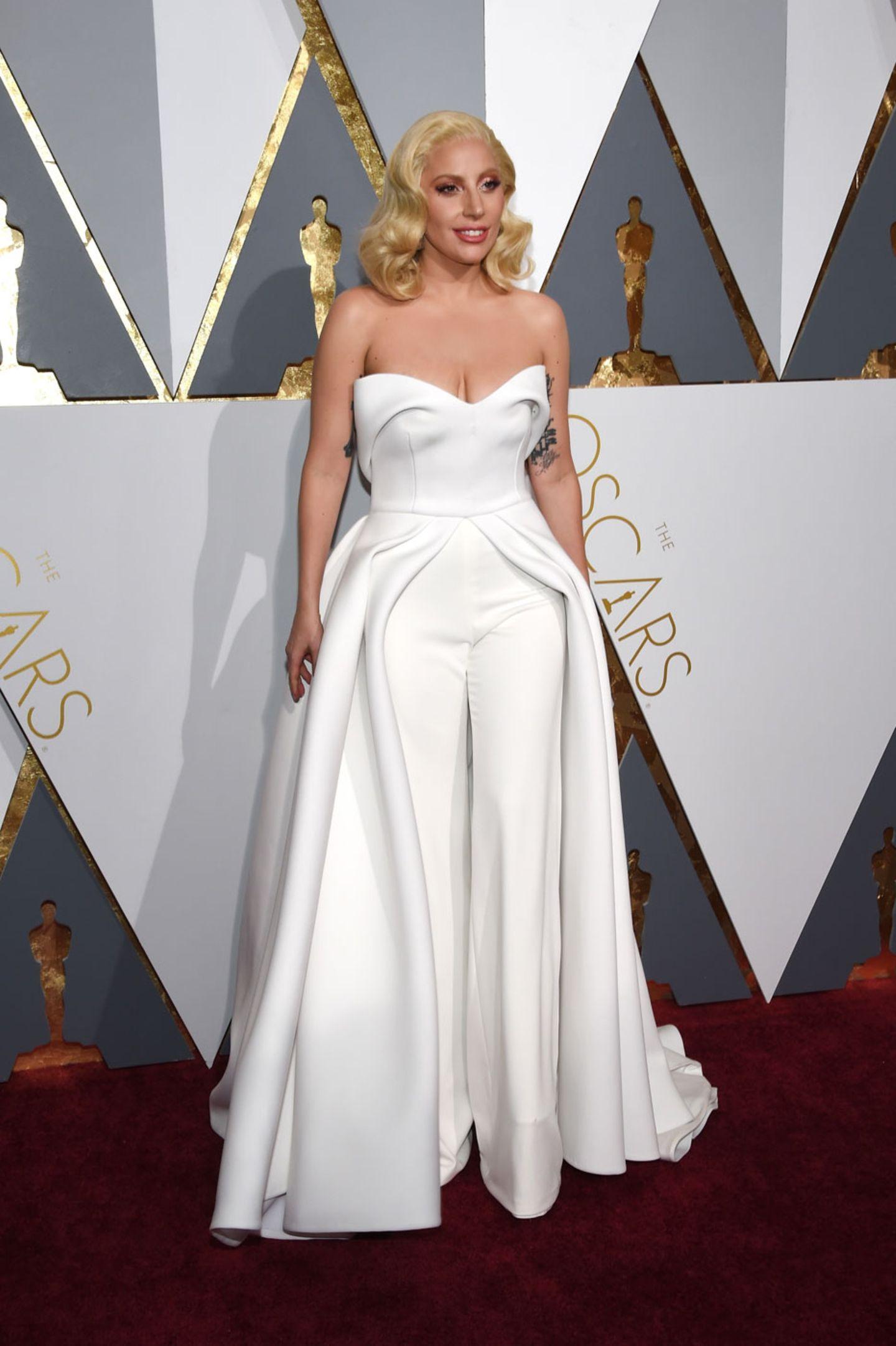 Oscars 2016: Lady Gaga