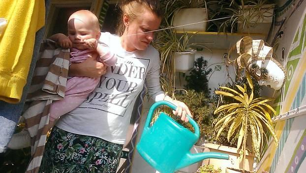 Mom's Diary: Mutter dokumentiert ihre Babypause mit dem Selfie-Stick