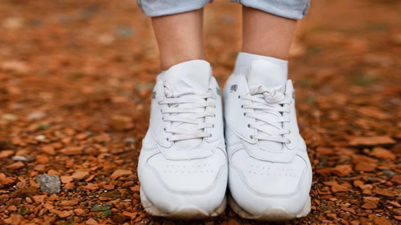 Pflegetipps: So reinigt ihr eure weißen Sneakers effektiv