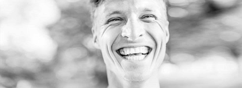 Das verraten die Zähne eines Mannes über seinen Penis