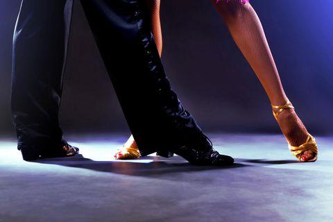 Paar auf Tanzfläche