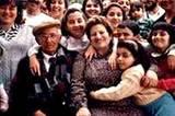 Mamma Rosa, Sizilien.Es gibt sie noch, La Mamma, die typisch italienische Großfamilienmutter. Rosa Farvarò aus Palermo hat einen Mann, fünf Kinder, 10 Enkel - und hält alle Fäden in der Hand.