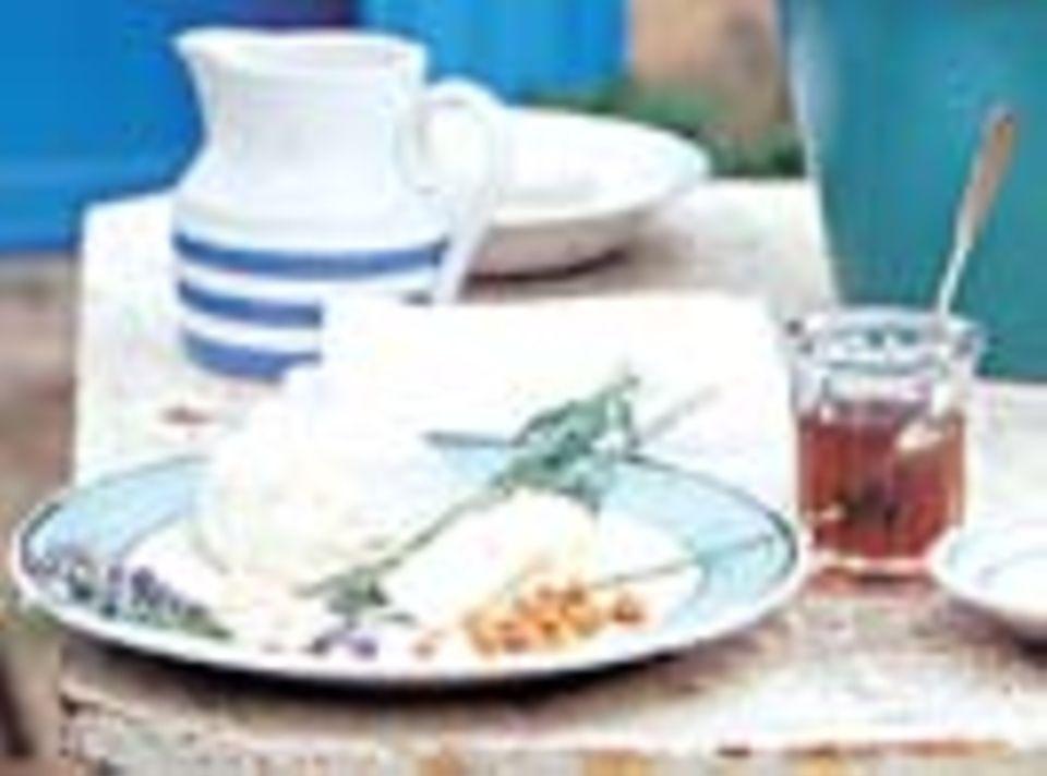 Weicher Crottin mit karamellisierten Walnüssen, Lavendel und Honig. Einfach unwiderstehlich!