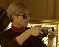 "Guy Pearce alias Andy Warhol in dem Film ""Factory Girl"""