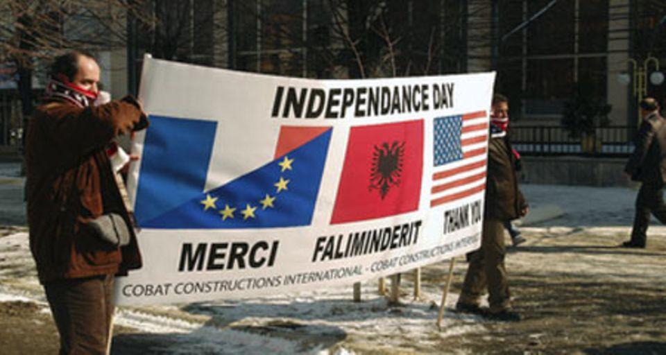 Independance  Day: Kosovaren bedanken sich bei den USA, Frankreich und der EU für deren Unterstützung.