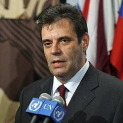 Der serbische Premierminister Vojislav Kostunica