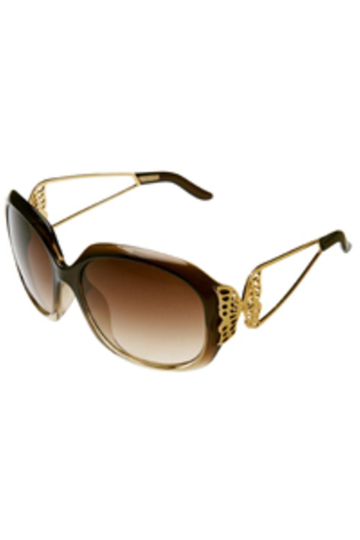Für erste Sonnenstrahlen: Sonnenbrille mit goldenen Schmetterlingen von H&M, um 7,90 Euro