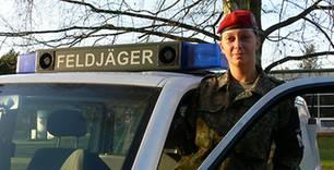 Porträt: Als Soldatin im Einsatz