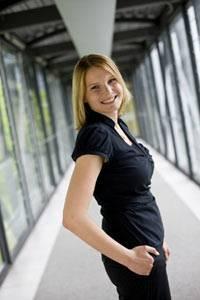Immer mehr Hochschulabsolventen entscheiden sich wie Carolin Diana für ein Trainee-Programm.