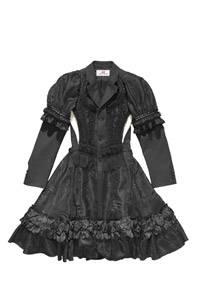 Aufwendiges Kleid von Comme des Garçons für H&M, um 300 Euro, ab 13. November in ausgewählten H&M-Filialen.