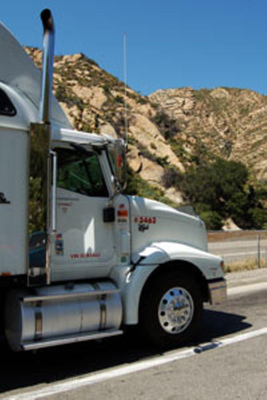 Typisch Amerika? Fette Trucks auf der Überholspur.