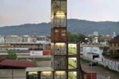 Der Freitag-Shop in Zürich besteht aus alten Containern
