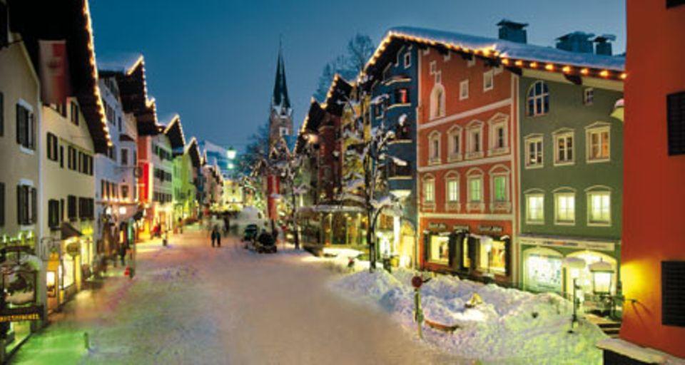 Die Kitzbüheler Altstadt im Winter