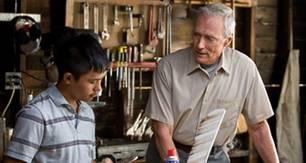 """""""Gran Torino"""": Walt (Clint Eastwood) und Thao (Bee Vang) freunden sich immer mehr an."""