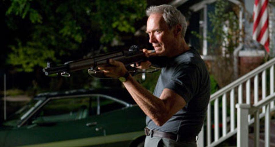 """Gran Torino"": Als Walt Thaos Familie unfreiwillig beschützt, wird er zum gefeierten Held der ganzen Nachbarschaft."