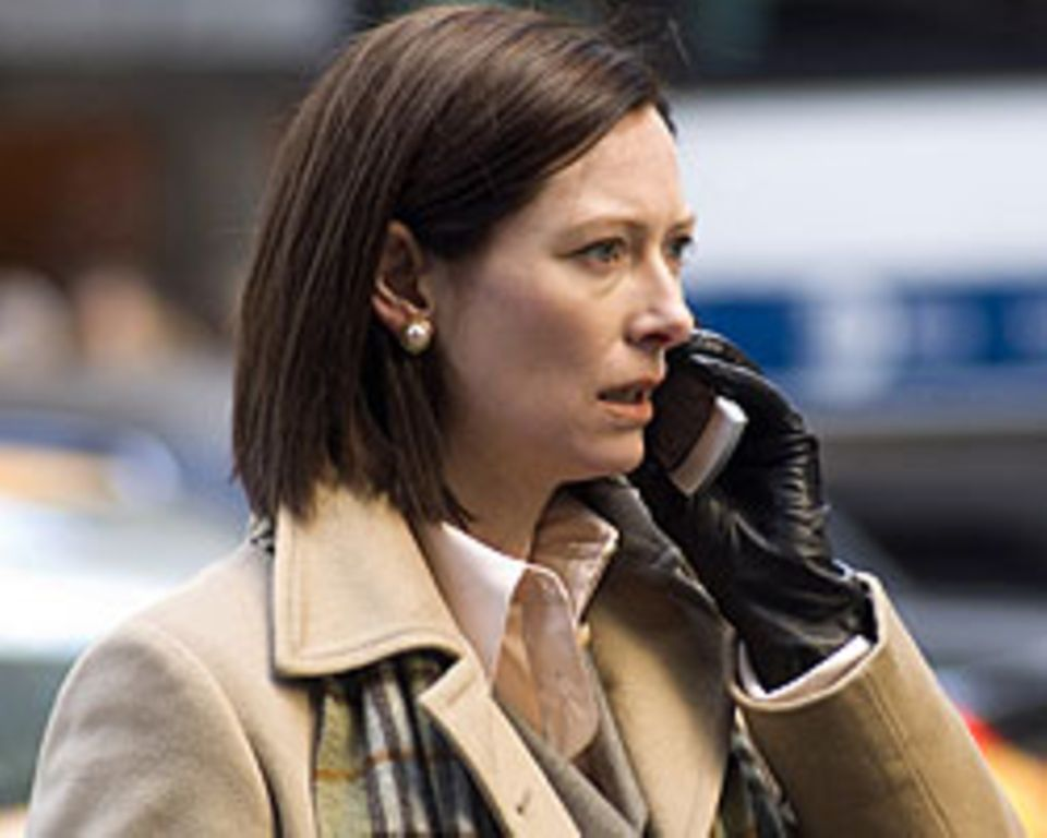 Tilda Swinton spielt die Karrierefrau Karen Crowder und bekam dafür den Oscar als beste Nebendarstellerin