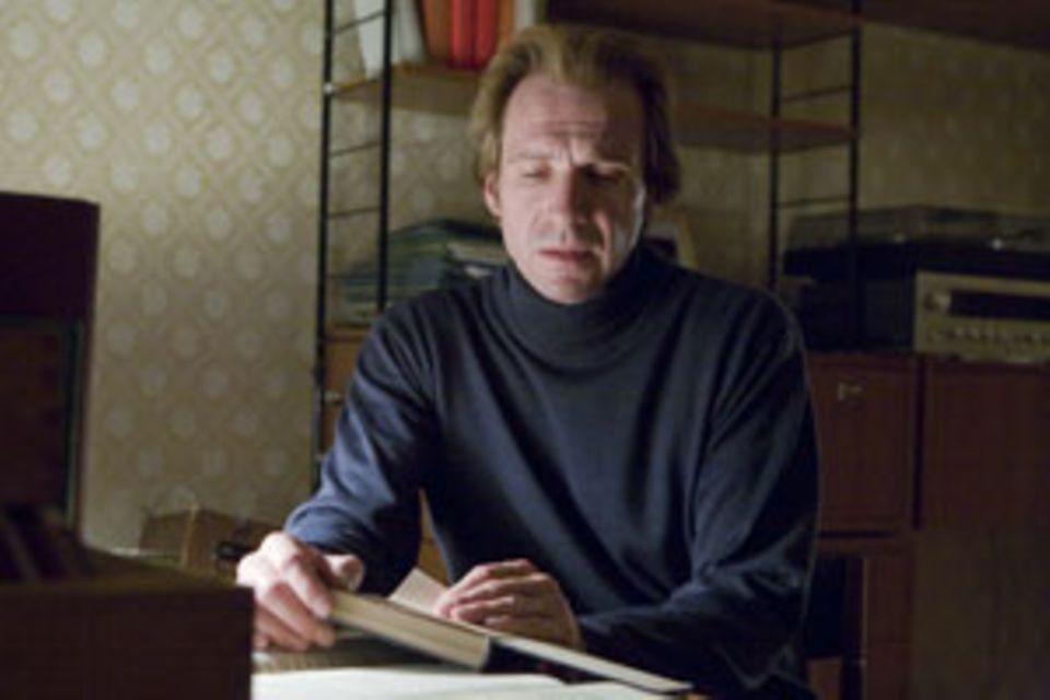 Ralph Fiennes in der Rolle des älteren Michaels
