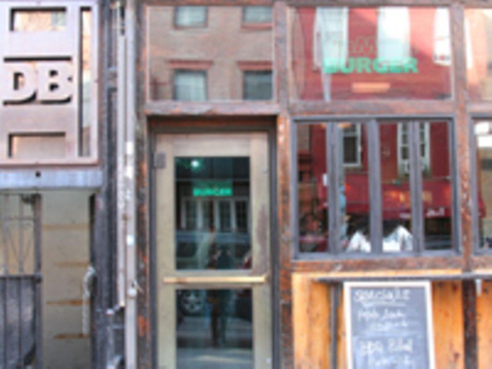 Dumont Burger an der Bedford Avenue Ecke North 3rd Street