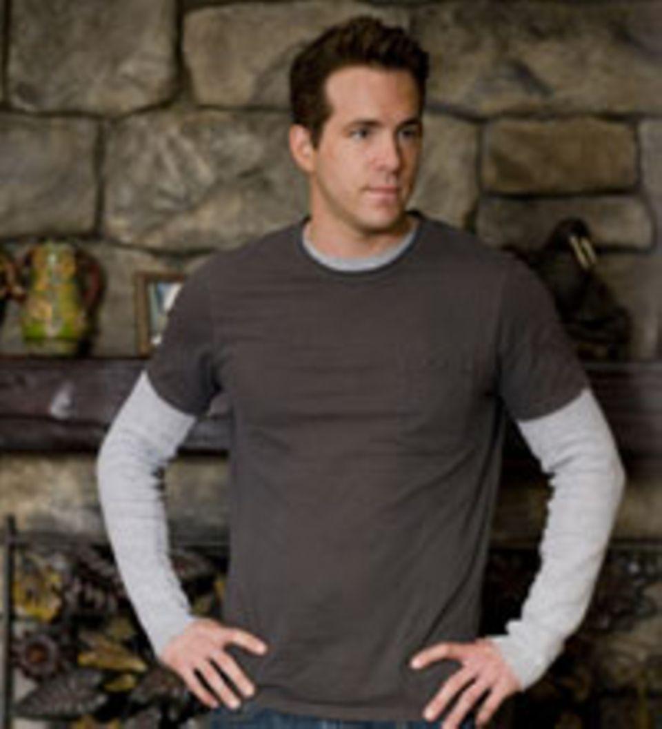 Andrew (Ryan Reynolds) lässt sich auf die Scheinehe mit Margaret ein