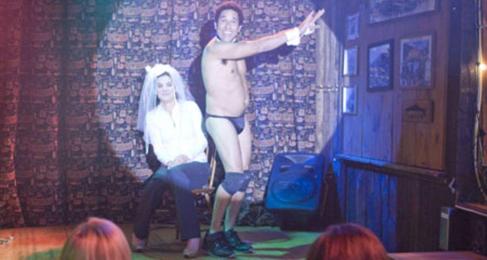 Margaret (Sandra Bullock) bei ihrem Junggesellinnen-Abschied