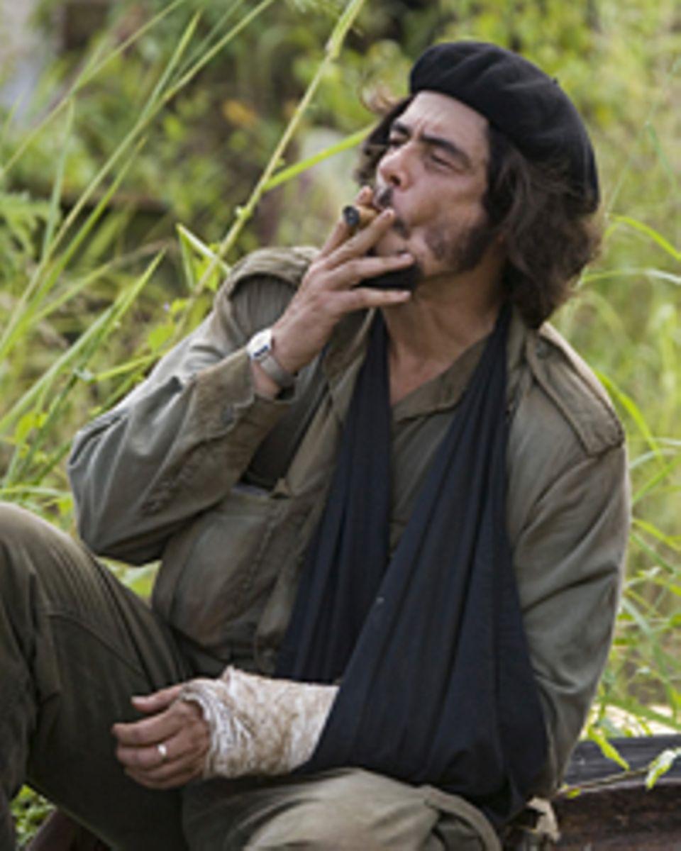 Typisch Che: Zigarre, Bart und Baskenmütze