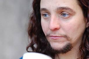 """""""Der Bart hat mich innerlich freier gemacht"""", erzählt Mariam über sich selbst."""