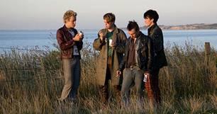 Die Dorfpunks: Roddy Dangerblood (Cecil von Renner), Fliegevogel (Ole Fischer), Flo (Daniel Michel) und Sid (Pit Bukowski).