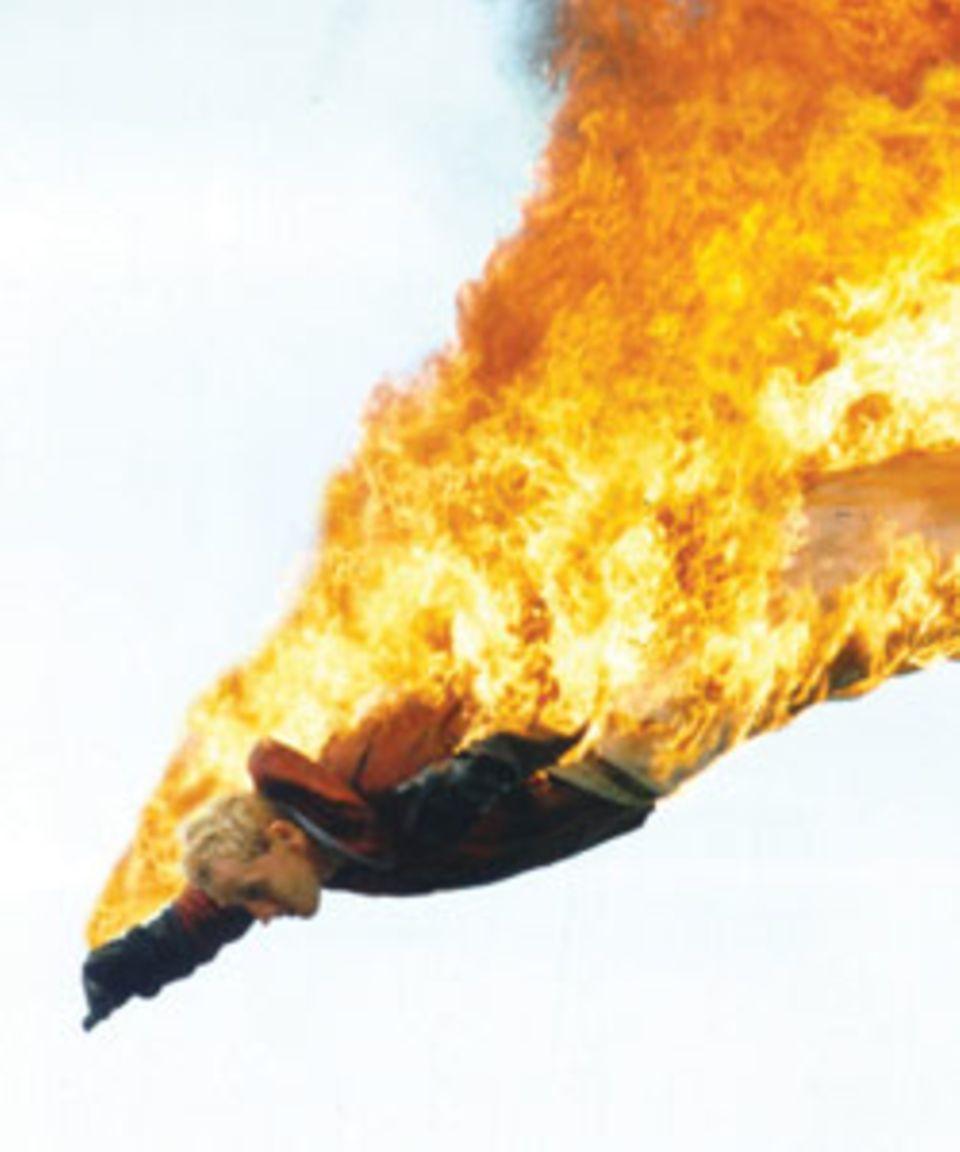 """Absolutes Highlight der Stunt-Show """"Tatonka"""": Der Feuersprung"""