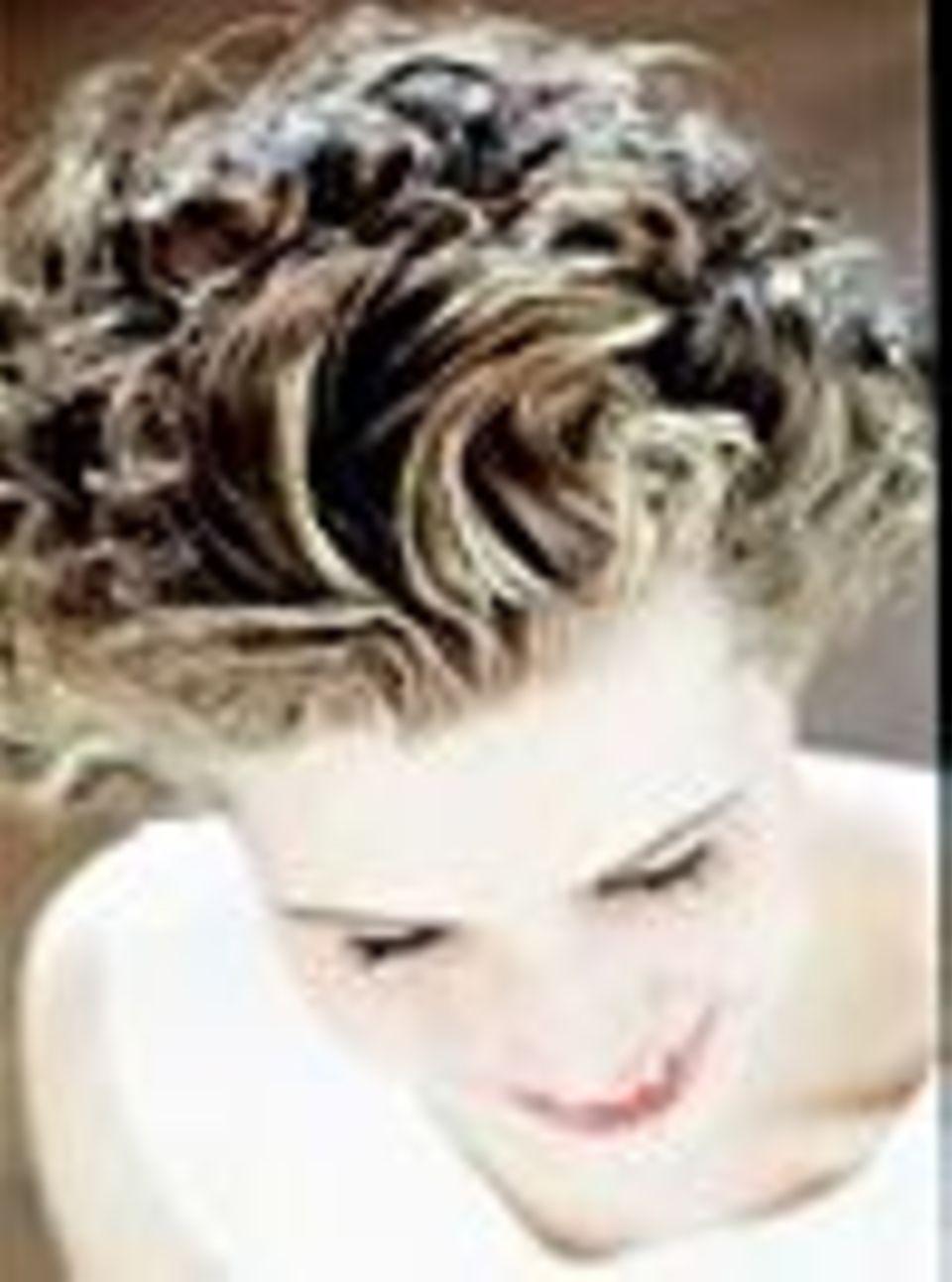 Locken bringen Volumen ins Haar