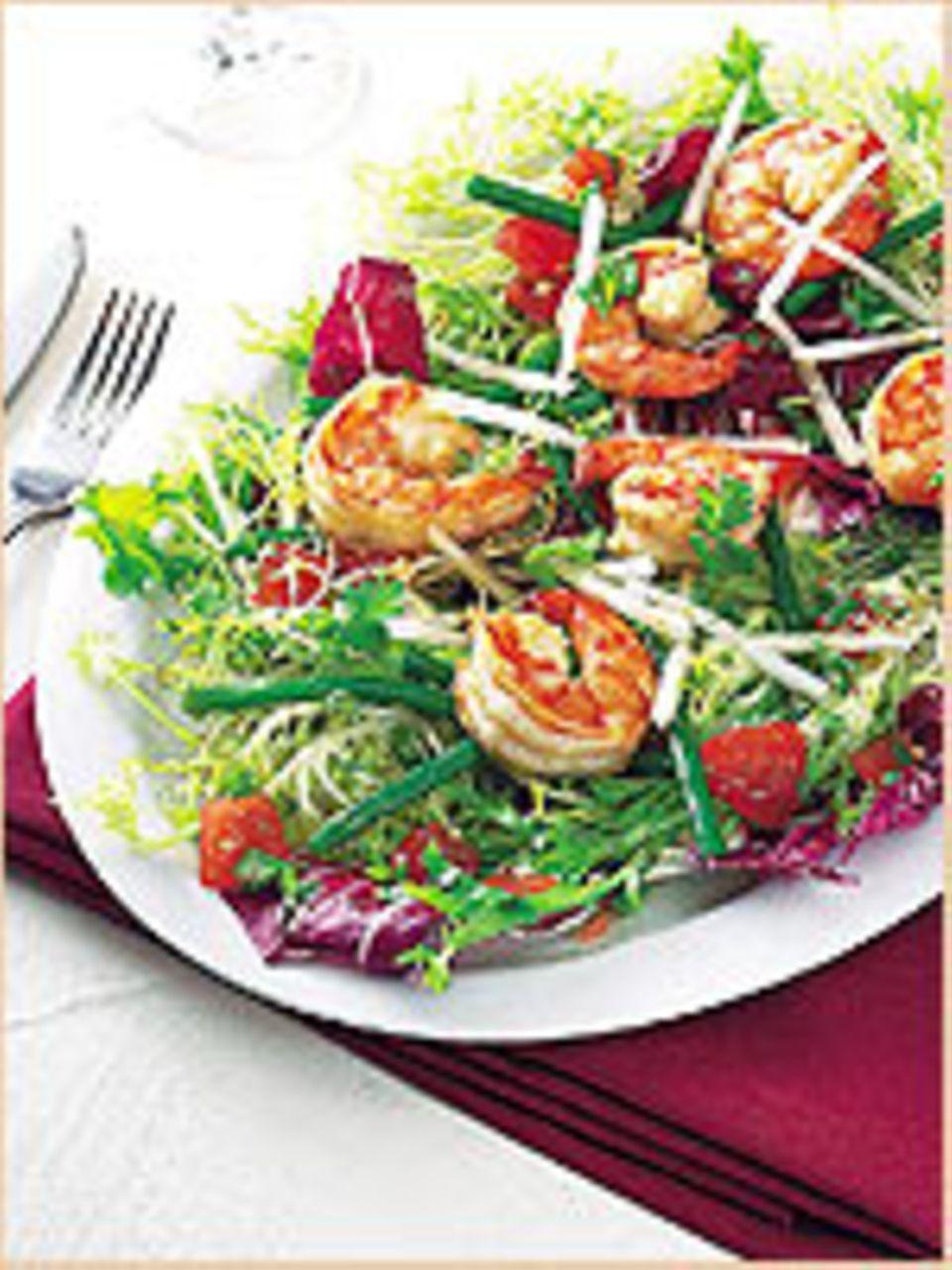 Salat mit gegrillten Garnelen - so sommerlich!