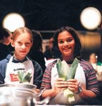 Kochkurse für Kinder: Jetzt kochen wir! | BRIGITTE.de | {Kochschule für kinder 55}